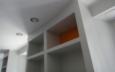 Passo a passo para criar uma parede e nichos de gesso cartonado.